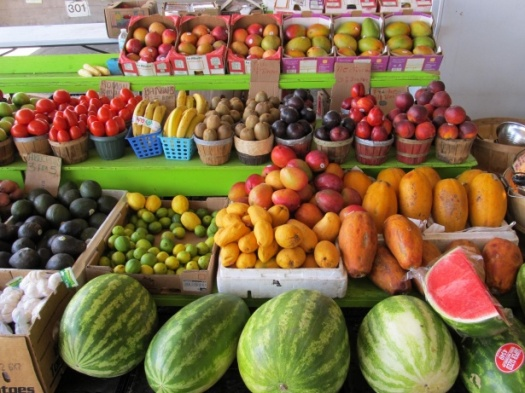 farmers-market-fruit-stand